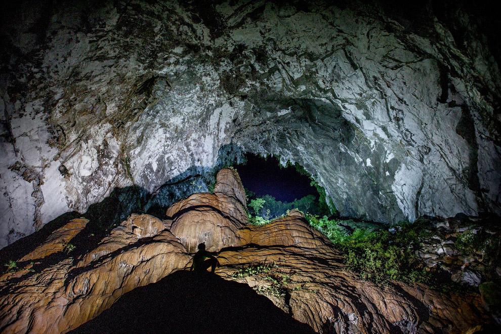 Любопытные образования на стенах пещеры Шондон