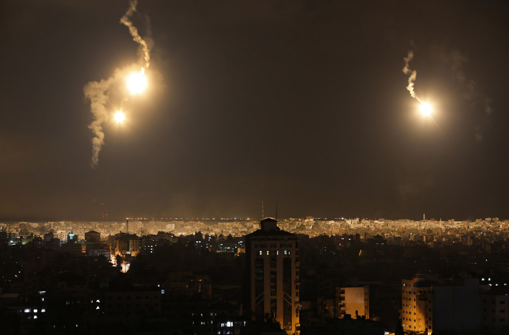 Израильские ракеты летят в сектор Газа