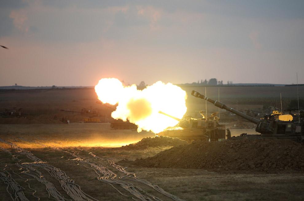 Израильские пушки ведут огонь в направлении сектора Газа