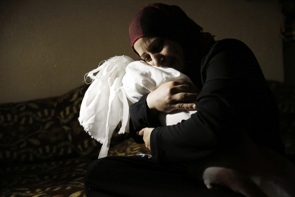 Мать и погибшая 1-годовалая дочь