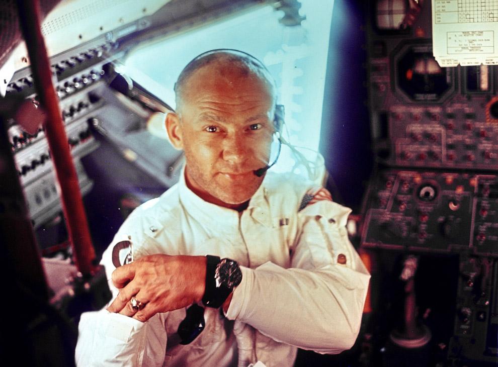 Интерьер лунного модуля «Аполлон-11» и Эдвин Олдрин