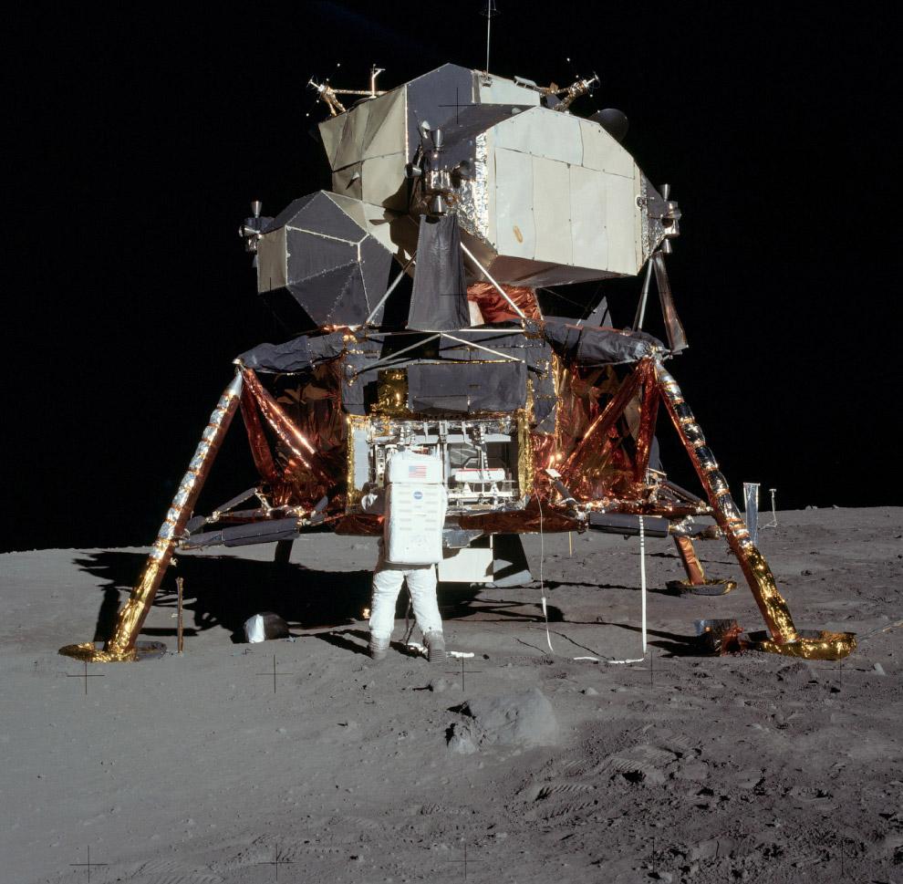 Базз Олдрин и лунный модуль
