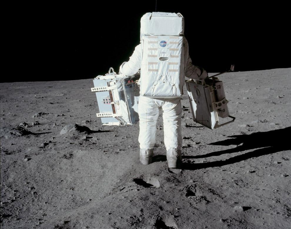 Базз Олдрин на Луне