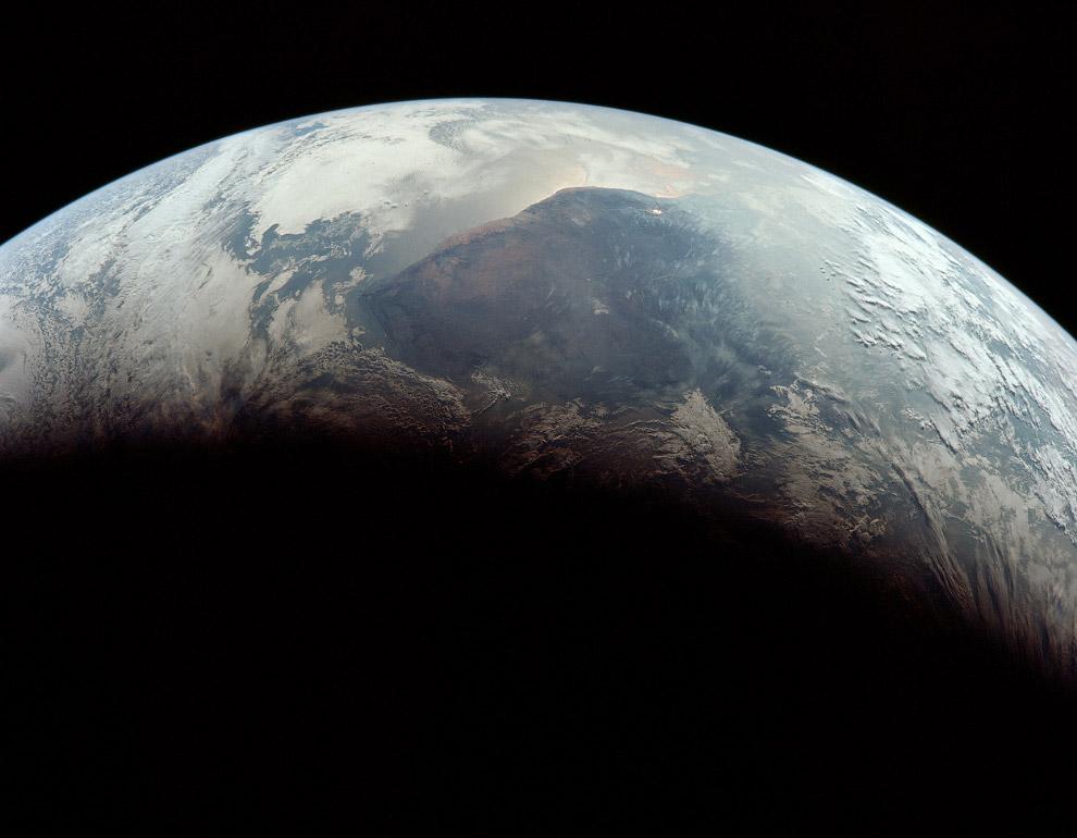 Первый человек на Луне (32 фото)