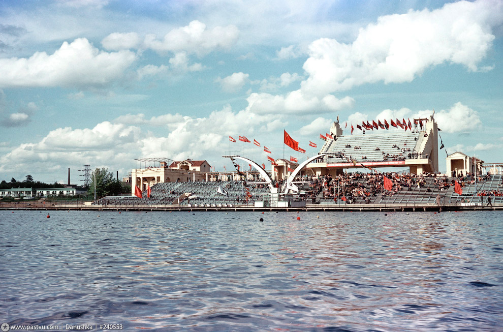 Водный̆ стадион «Динамо»