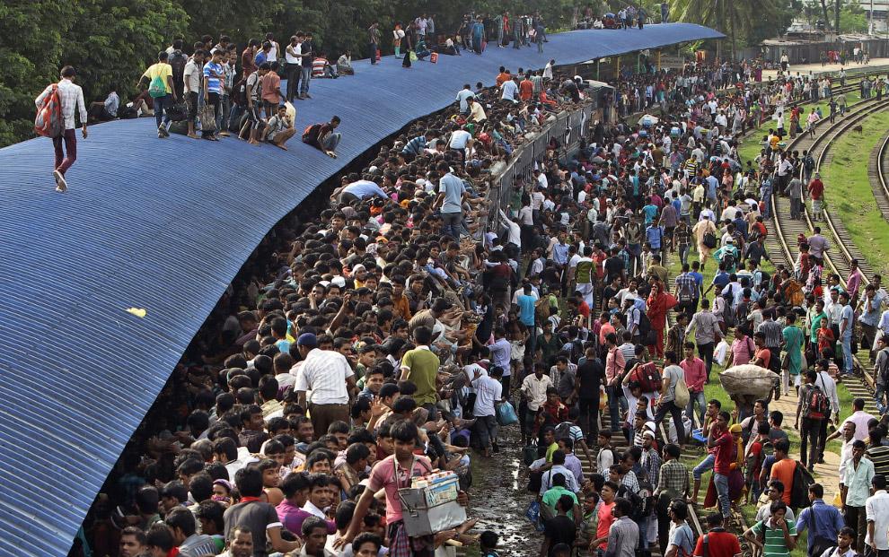 Накануне величайшего праздника Ураза Байрам все отправляются домой