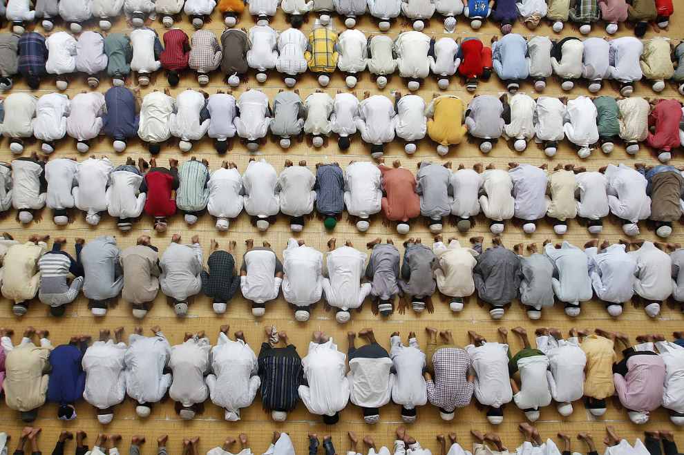 Пятничная молитва в индийском городе Аллахабад
