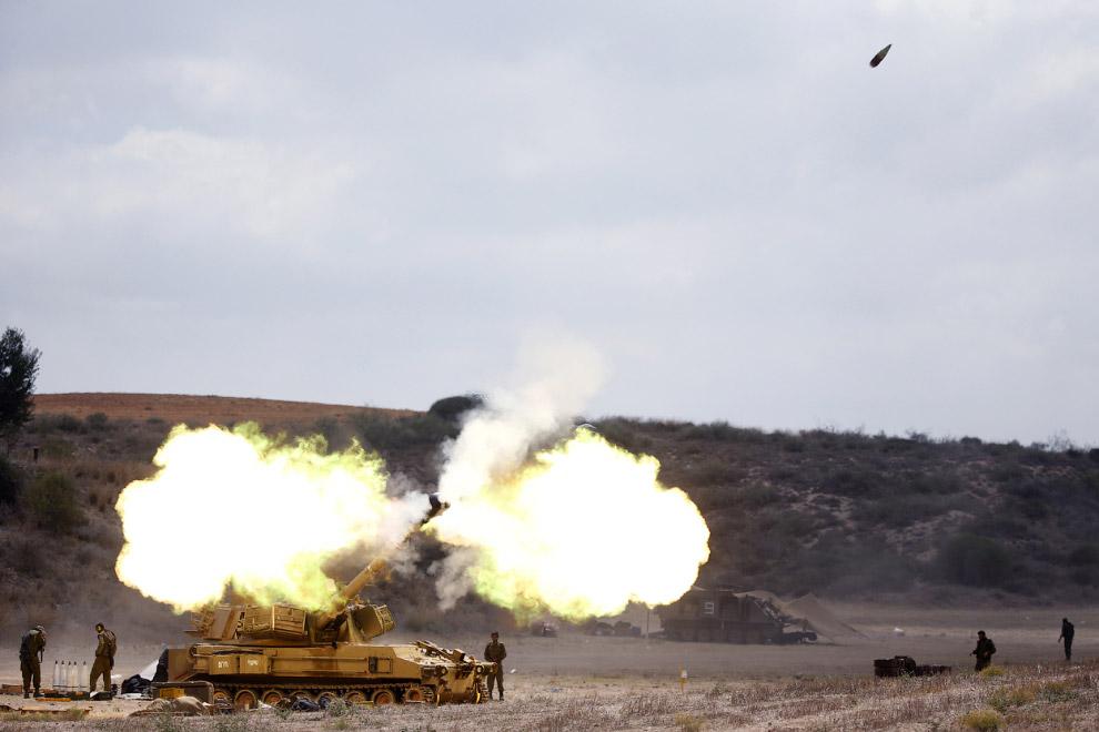 Полетел. По сектору Газа стреляет самоходная гаубица 155 мм