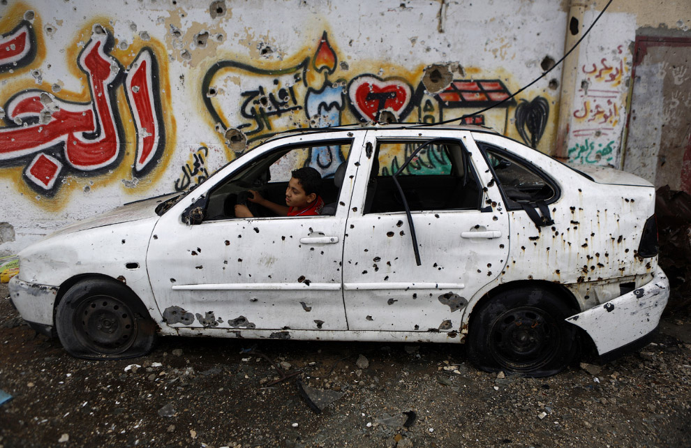 Брошенный автомобиль в городе Газе