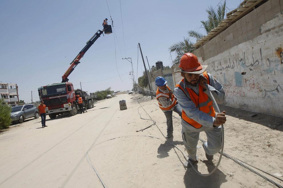 Горслужба восстанавливает линии электропередач