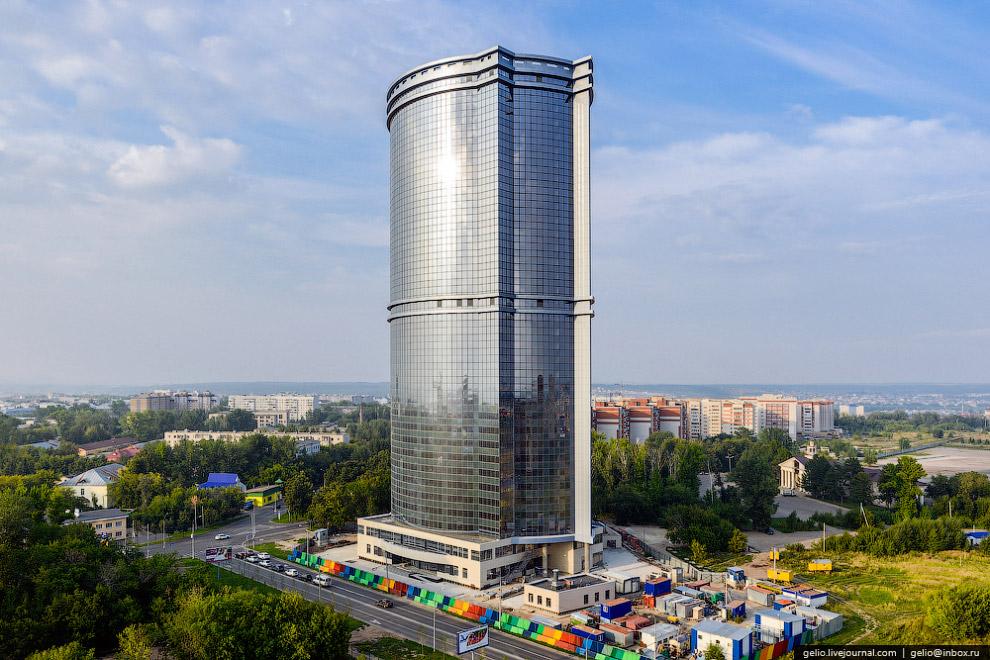 Самое высокое здание в Казани — 120-метровые «Лазурные Небеса»