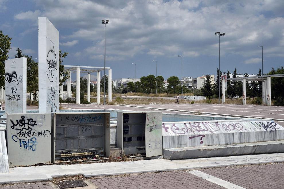 Медные трубы, провода с олимпийских объектов были разворованы