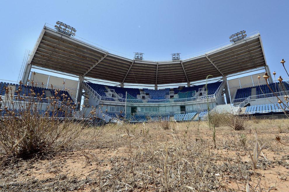 Стадион для софтбола — спортивной командной игра с мячом, аналога бейсбола