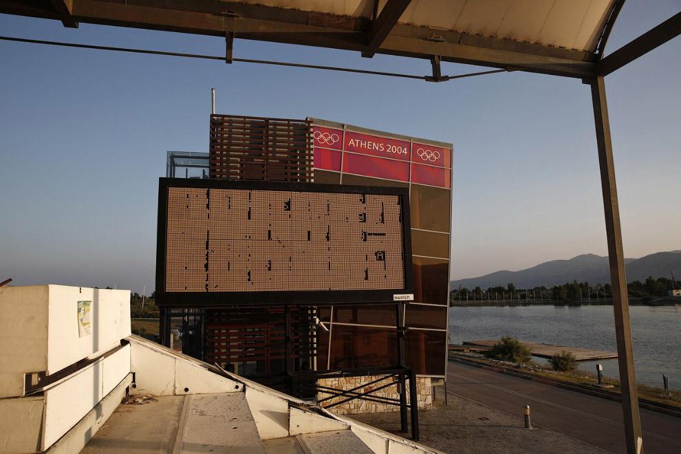На месте бывших Олимпийских объектов сейчас есть почти готовые декорации для фильмов-катастроф