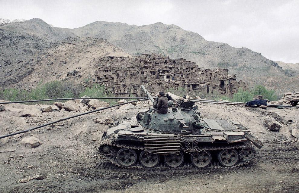 Деревня, уничтоженная в ходе боев между моджахедами и афганскими солдатами в Саланге, Афганистан