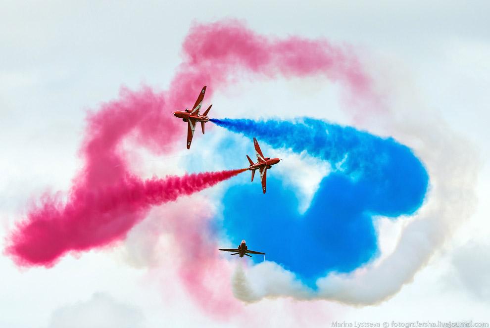 Британская пилотажная группа Red Arrows