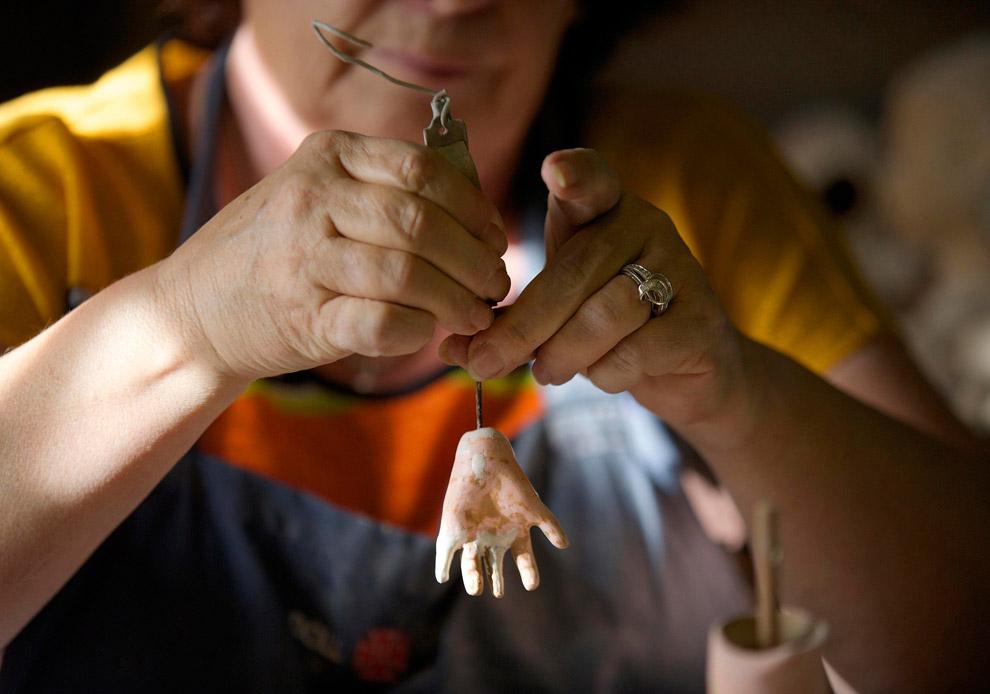 Реставрация кукольной руки и добавление недостающих пальцев