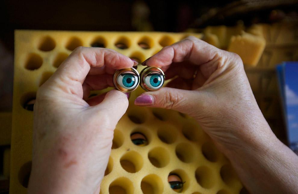 Новые глаза для куклы