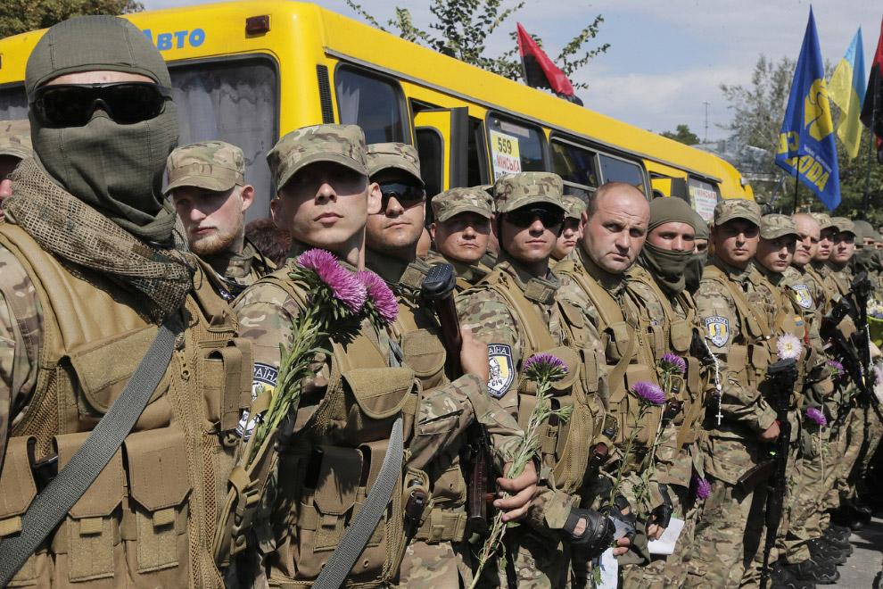 Новый спецбатальон в Киеве перед отправкой на Донбасс