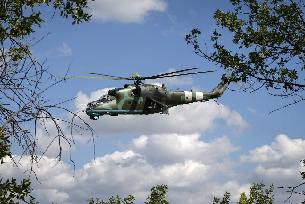 Украинский вертолет Ми-24 в Краматорске