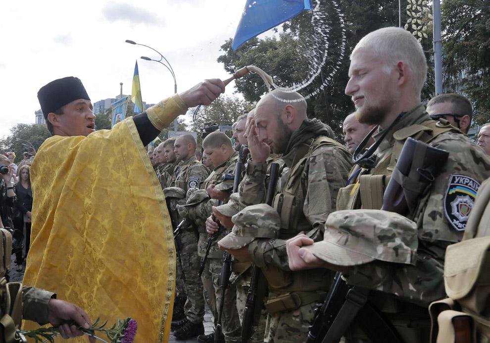 Перед отправкой на восток Украины, Киев