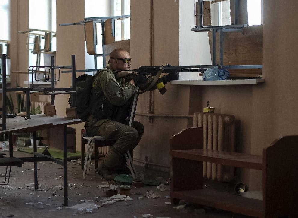 Украинский солдат в городе Иловайск