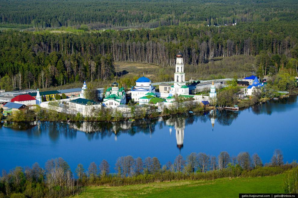 Центр гребных видов спорта на озере Средний Кабан