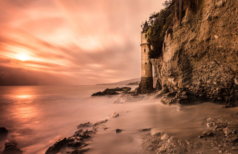 Маяк на пляже Виктории, Калифорния, США