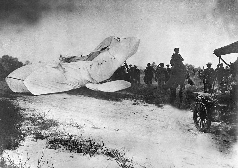 Авиакатастрофа во время демонстрационного полета перед американцами
