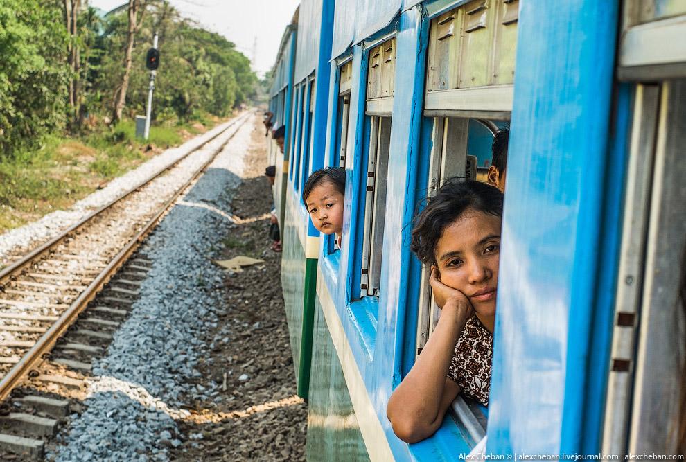 Поезд в Юго-Восточной Азии