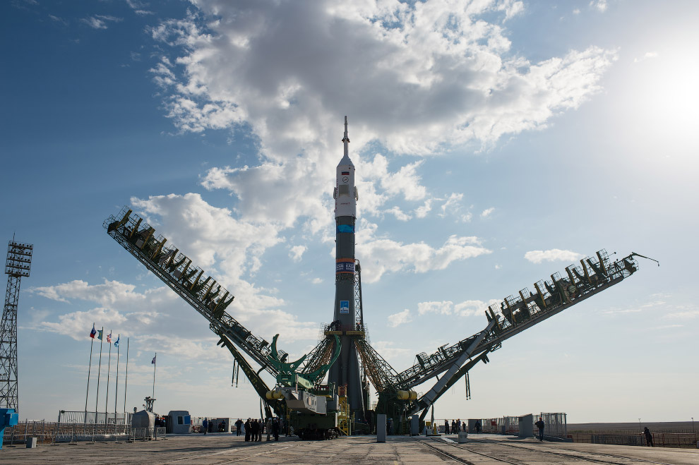 Expedition 41 Rollout