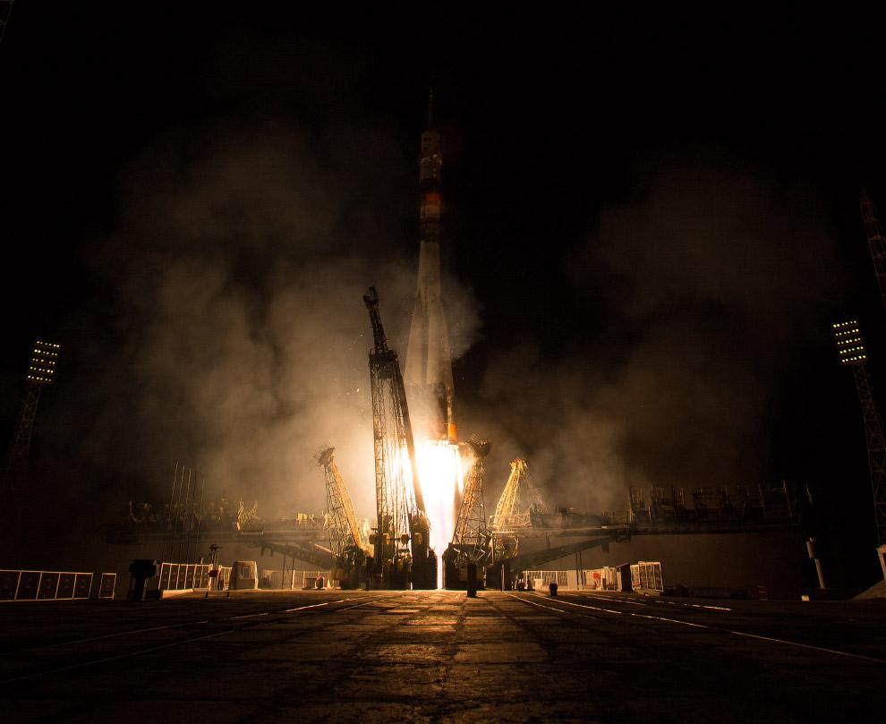 На орбиту впервые после 17-летнего периода мужских «полетов» прибыла российская женщина-космонавт Елена Серова