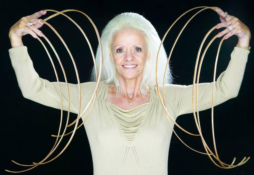 Знакомьтесь, обладательница самый длинных в мире ногтей Ли Редмонд
