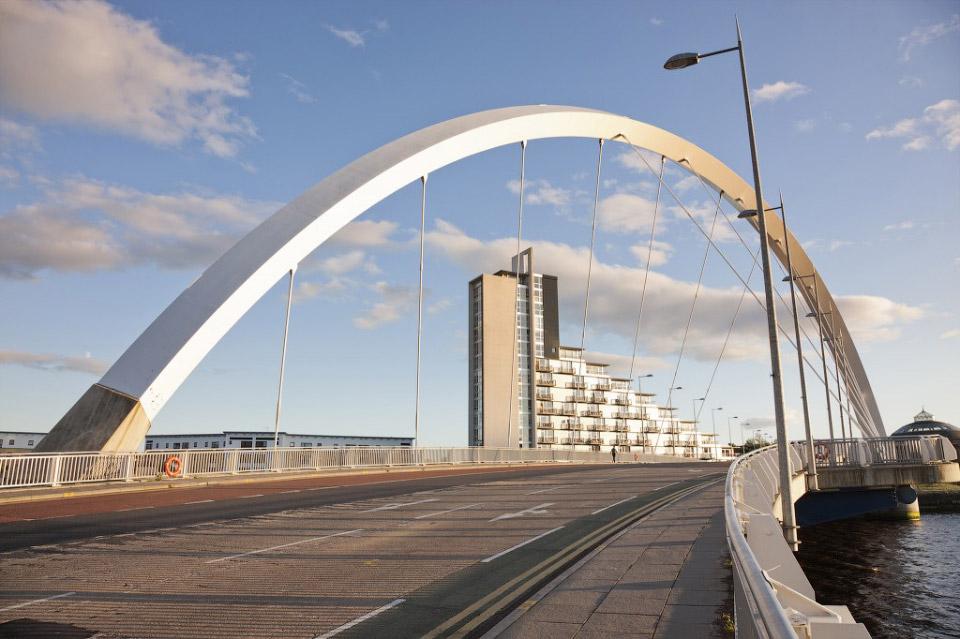 Арочный мост Клайд-Арк в Глазго