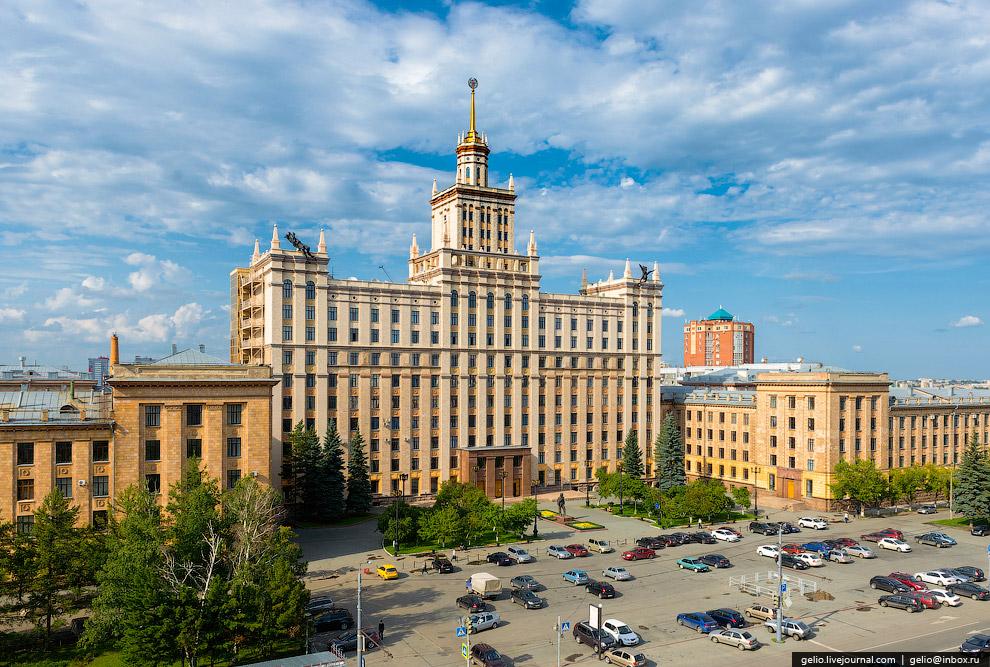 Здание главного корпуса ЮрГУ
