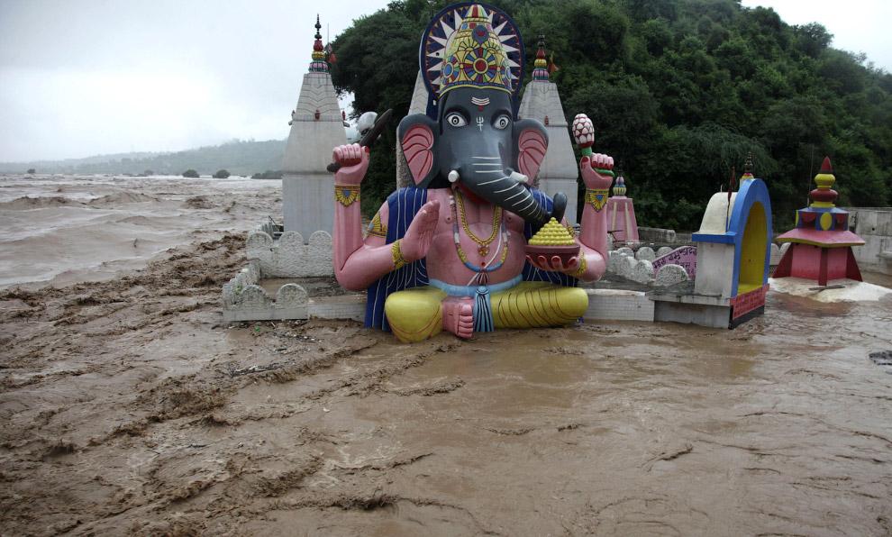 Верхушка храма в Джамму, Индия