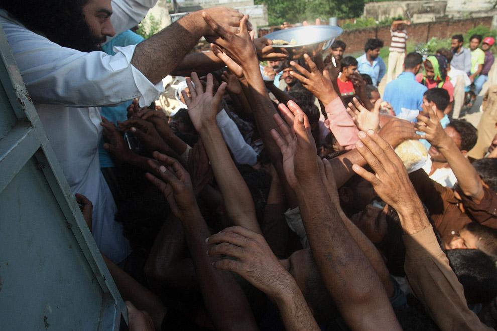 Раздача бесплатной еды, Пакистан