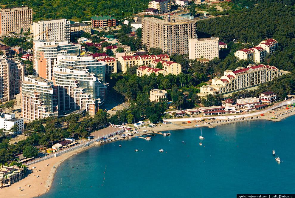 Апарт-отель «Акватория» и комплекс зданий «Сады Морей»
