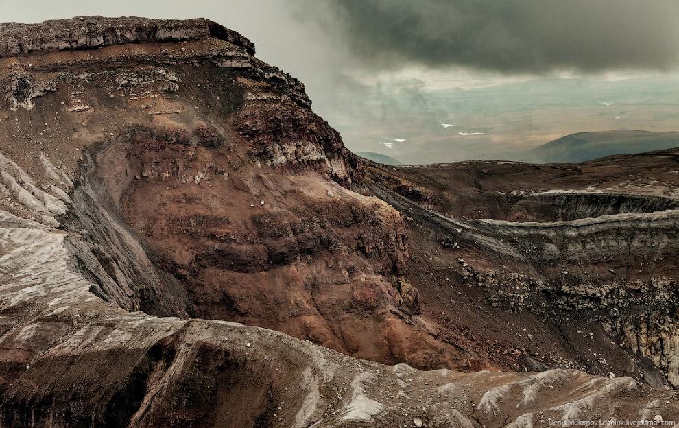 Кальдера вулкана Горелый