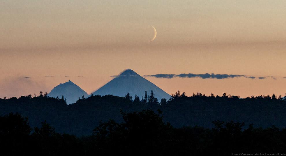 Вулканы Камень и Ключевская сопка