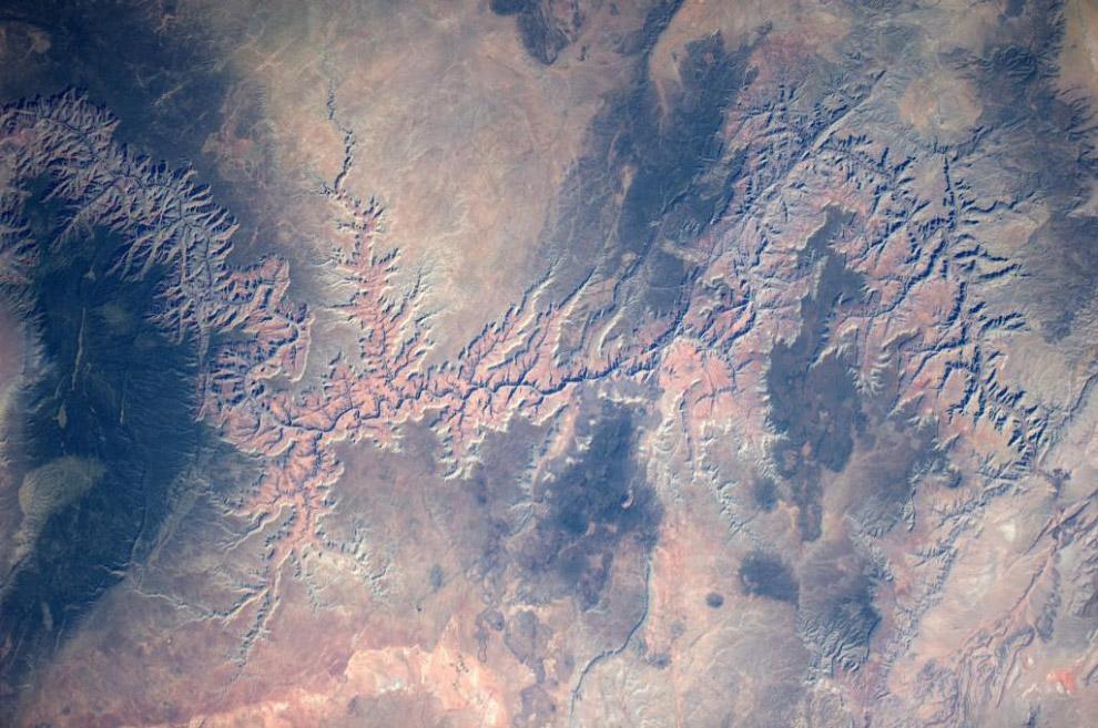Гранд-Каньон в США выглядит сверху как арт-искусство