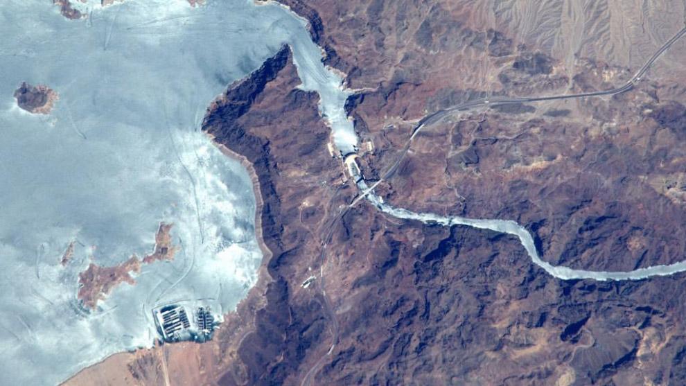 Плотина Гувера на границе Аризоны и Невады