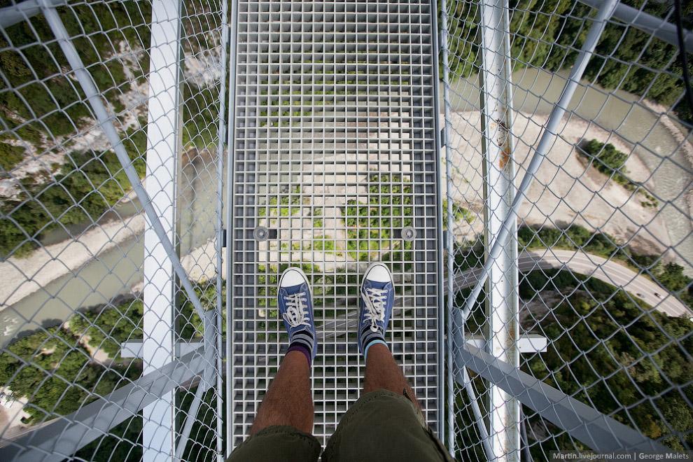 Самый длинный пешеходный подвесной мост в мире