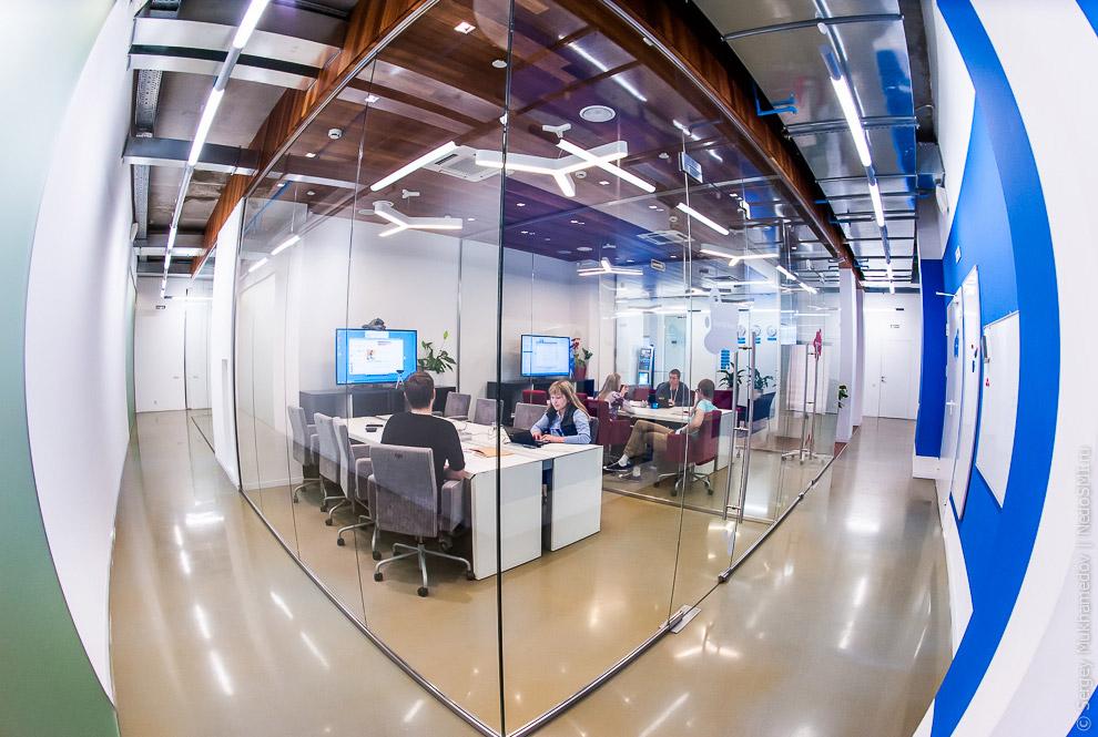 Необычный офис: За стеклом