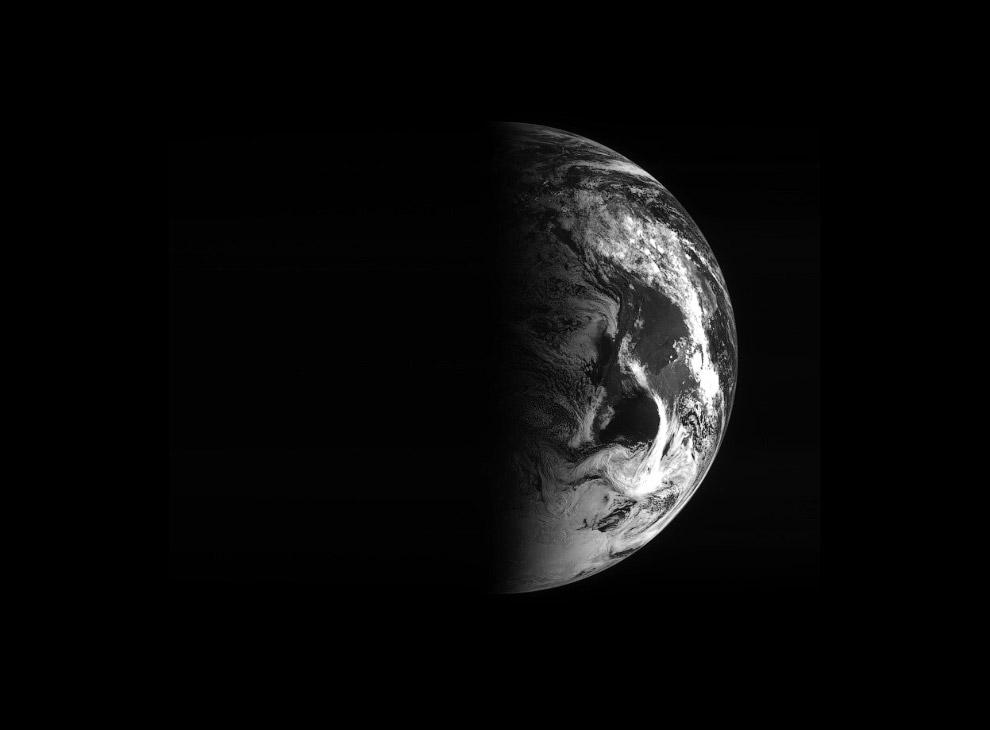 Такой Роззета видел Землю 5 марта 2005