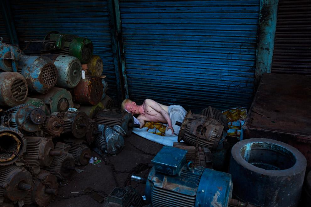 На свалке оборудования в Нью-Дели, Индия