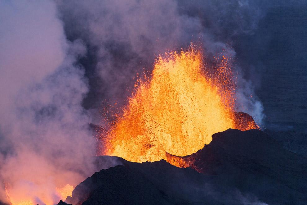 Извержение лавы, Исландия