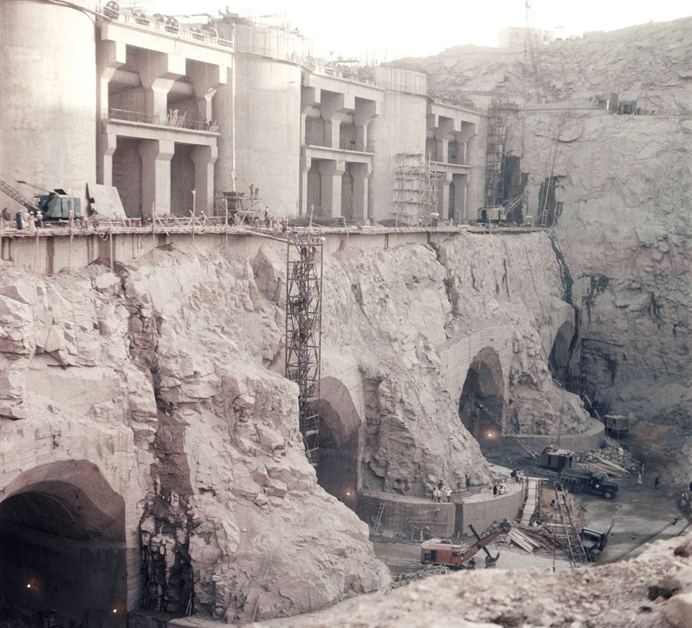 Строительство высотной Асуанской плотины