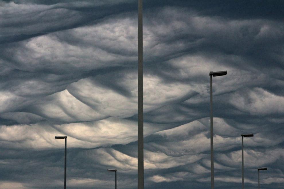 Зловещее небо. Антверпен, Бельгия