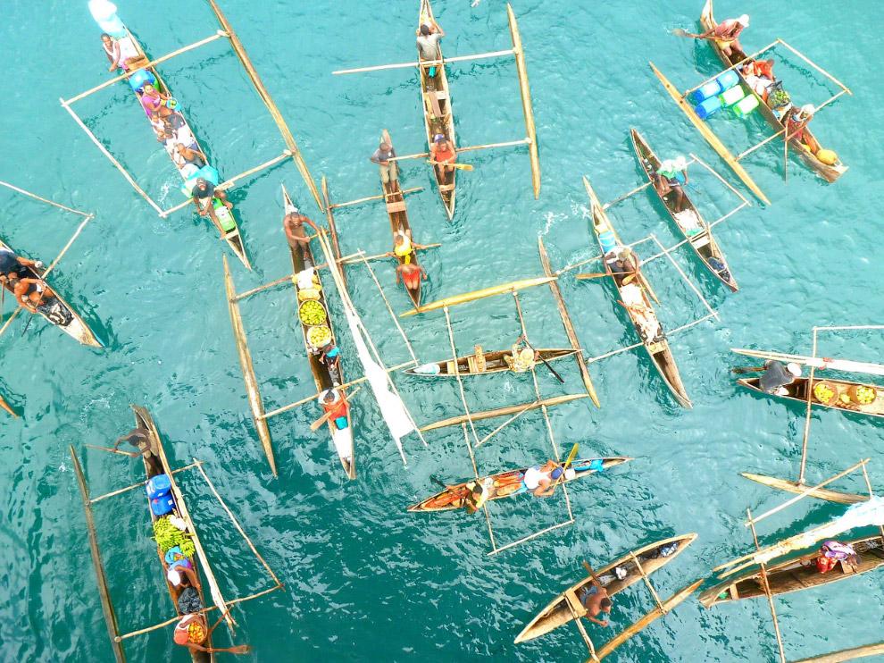 Мадагаскарцы на лодках